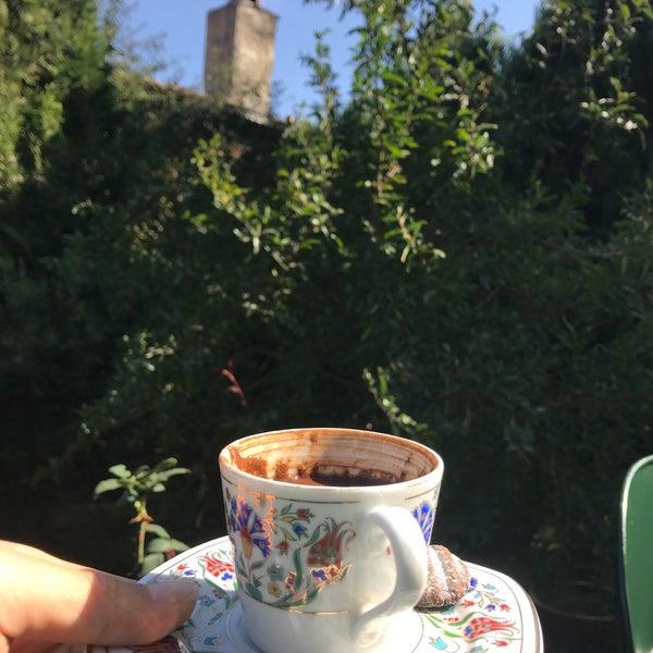 10/21/2018에 GAMZE K.님이 Üzüm Cafe에서 찍은 사진