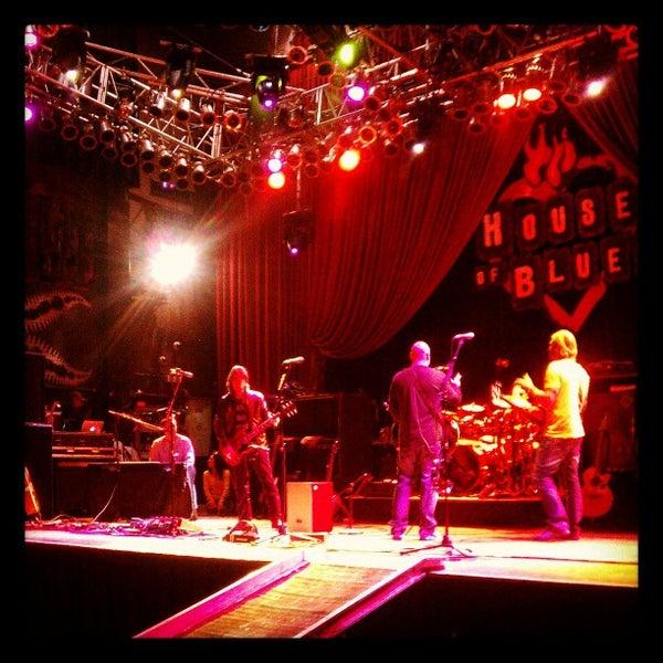 Foto diambil di House of Blues oleh Vintage B. pada 12/14/2012