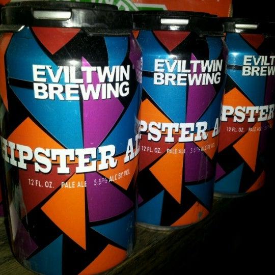 Das Foto wurde bei Alphabet City Beer Co. von Jacqueline R. am 10/5/2012 aufgenommen