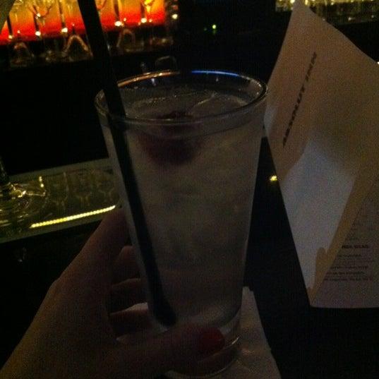 Foto diambil di Absolut Inn oleh Carolina R. pada 10/6/2012