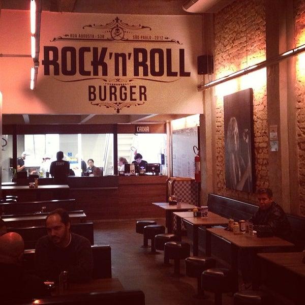 7/9/2013 tarihinde Marcoziyaretçi tarafından Rock 'n' Roll Burger'de çekilen fotoğraf