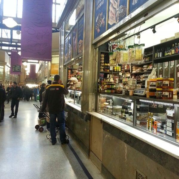 Foto diambil di Queen Victoria Market oleh Vienna C. pada 7/5/2013