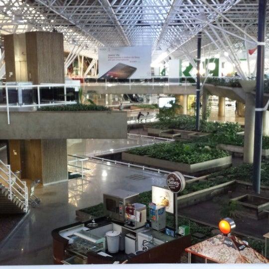 Foto tomada en Aeropuerto Internacional de Brasilia Presidente Juscelino Kubitschek (BSB) por Patrícia V. el 6/14/2013