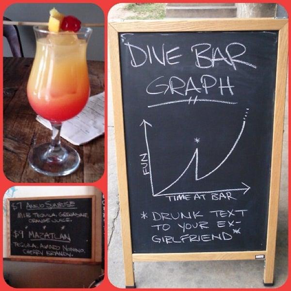 Das Foto wurde bei Dive Bar & Lounge von Bill S. am 4/24/2013 aufgenommen