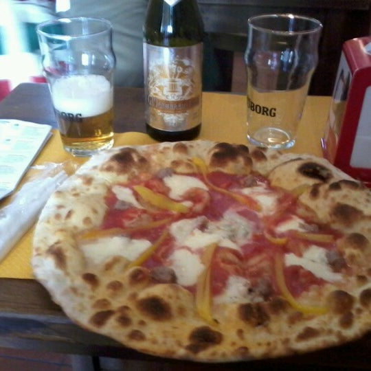 Photo taken at I' Pizzacchiere by Ariel on 9/20/2012