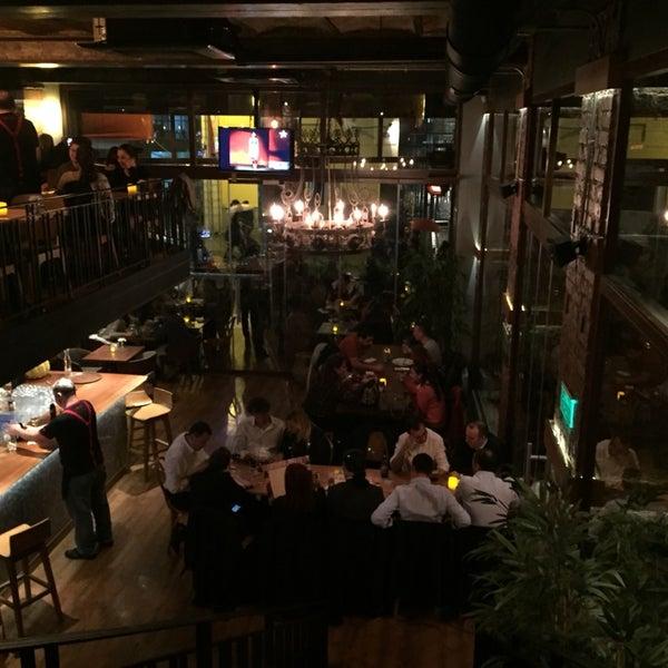 Harika Müzikleri ve hoş ambiyansıyla keyifle yemek yemenin adresi, Beyoğlu'na geldiğinizde uğramadan geçmeyin derim 😊