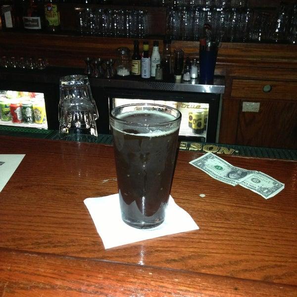 Foto diambil di Easy Bar oleh Kreston pada 5/28/2013