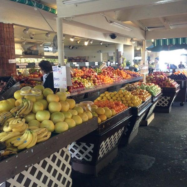 Das Foto wurde bei The Original Farmers Market von Anna G. am 2/11/2013 aufgenommen