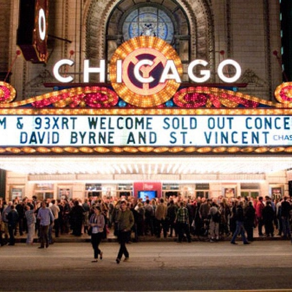 Foto scattata a The Chicago Theatre da Chase T. il 9/19/2012