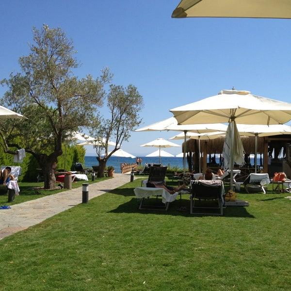 รูปภาพถ่ายที่ Assos Ida Costa Hotel โดย Aysegul Yozgat เมื่อ 9/1/2013