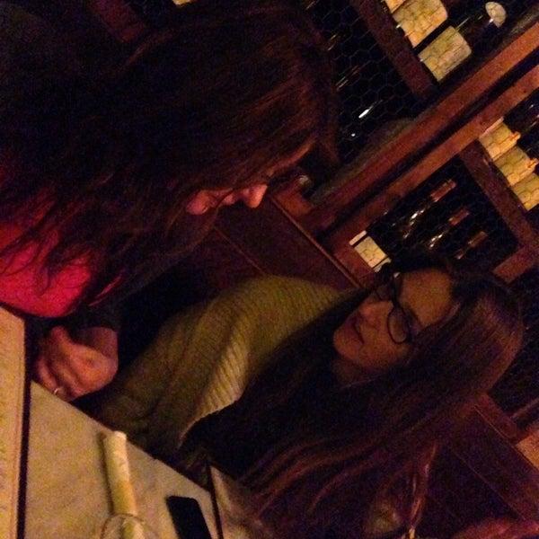 Foto tomada en OAK Restaurant & Wine Bar por John el 3/7/2014