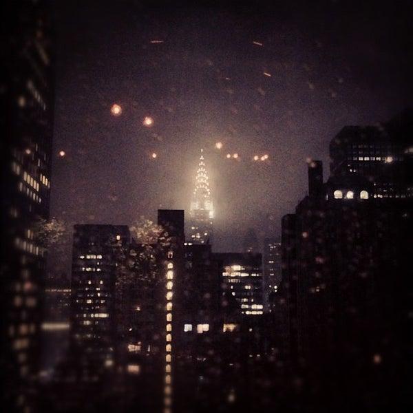 รูปภาพถ่ายที่ Upstairs โดย Kaushal A. เมื่อ 12/8/2012