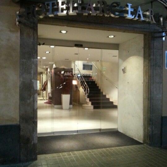 Foto diambil di Hotel Arc La Rambla oleh Антон А. pada 12/28/2012