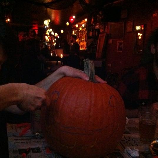 Снимок сделан в Soft Spot Bar пользователем Eric R. 10/26/2012