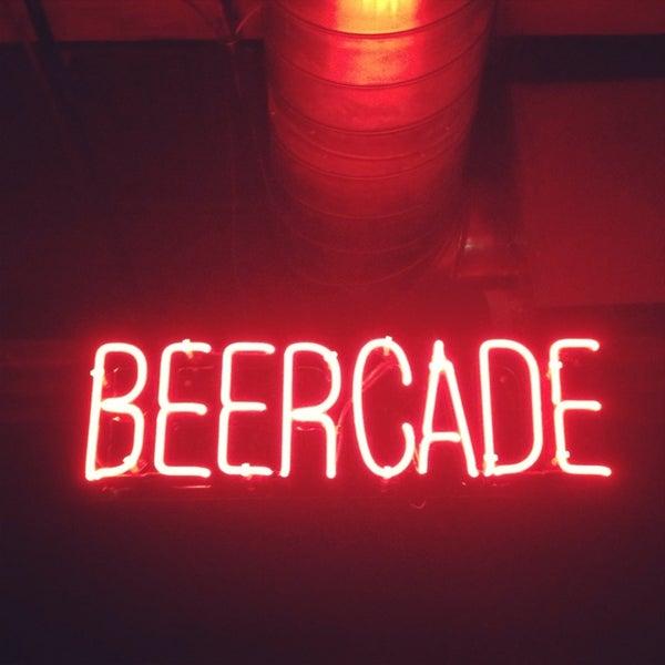 Снимок сделан в Headquarters Beercade пользователем C R. 8/11/2013