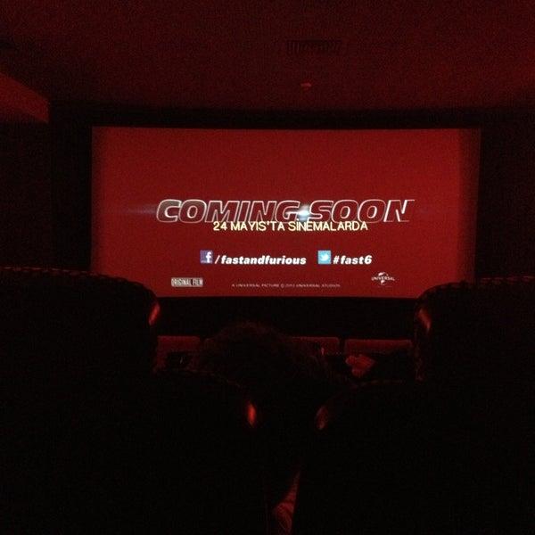 Снимок сделан в Spectrum Cineplex пользователем Baris Y. 4/26/2013