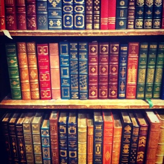 Das Foto wurde bei Strand Bookstore von Micah L. am 11/26/2012 aufgenommen