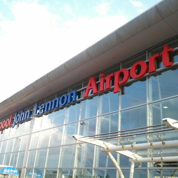 รูปภาพถ่ายที่ Liverpool John Lennon Airport (LPL) โดย Fernando S. เมื่อ 8/22/2013