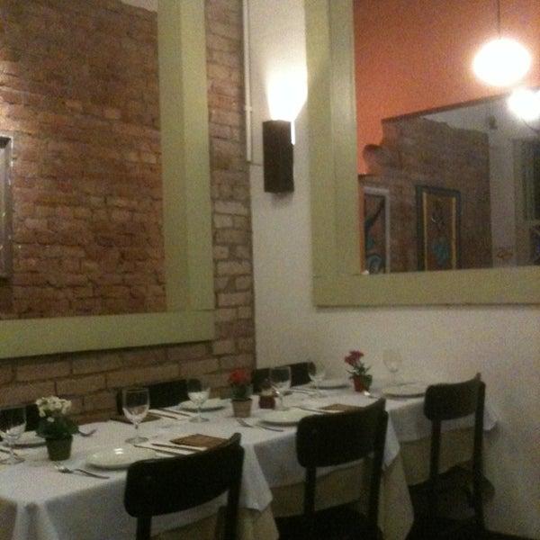 Foto tirada no(a) Zeffiro Restaurante por Cinho C. em 1/16/2013