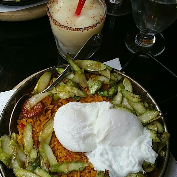 6/4/2017 tarihinde Anthony P.ziyaretçi tarafından Tio Pepe Restaurant'de çekilen fotoğraf