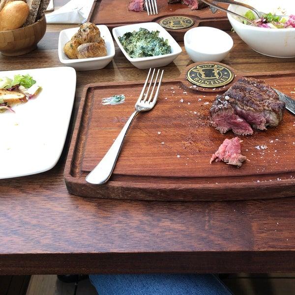 8/18/2018 tarihinde Neslihan E.ziyaretçi tarafından Bonfilet Steak House & Kasap'de çekilen fotoğraf