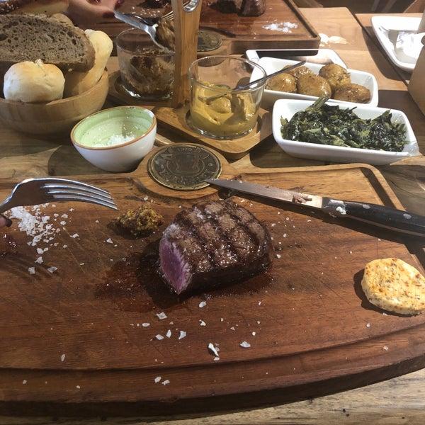 1/31/2019 tarihinde Neslihan E.ziyaretçi tarafından Bonfilet Steak House & Kasap'de çekilen fotoğraf