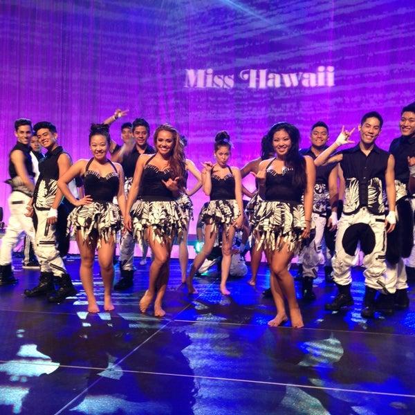 Das Foto wurde bei Hawaii Visitors & Convention Bureau von Billy V. am 6/8/2013 aufgenommen