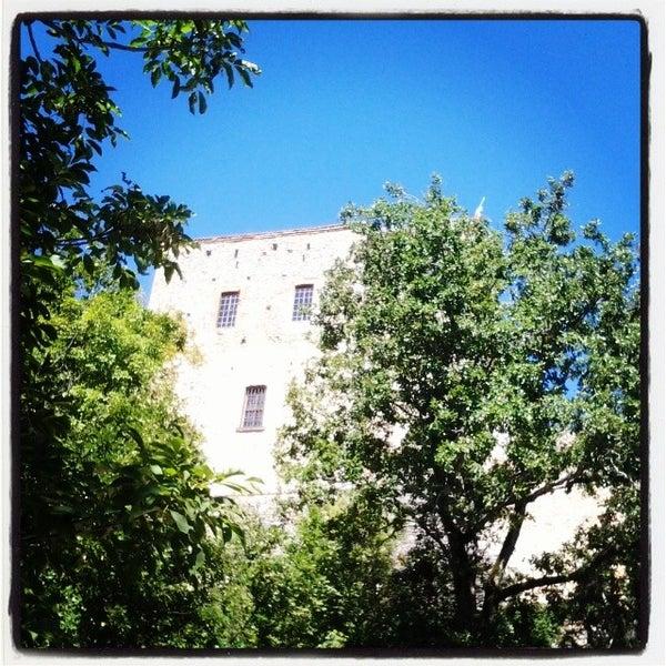 Das Foto wurde bei Castello di Zavattarello von Castello DalVerme D. am 8/14/2014 aufgenommen