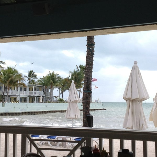 Foto scattata a Southernmost Beach Cafe da Rob B. il 12/31/2012