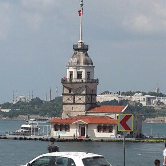 รูปภาพถ่ายที่ Kız Kulesi โดย Birol A. เมื่อ 7/3/2013