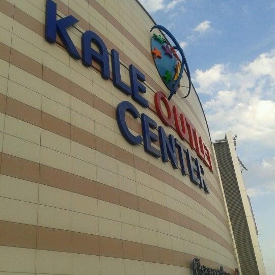 Foto scattata a Kale Outlet Center da Sm D. il 9/16/2012