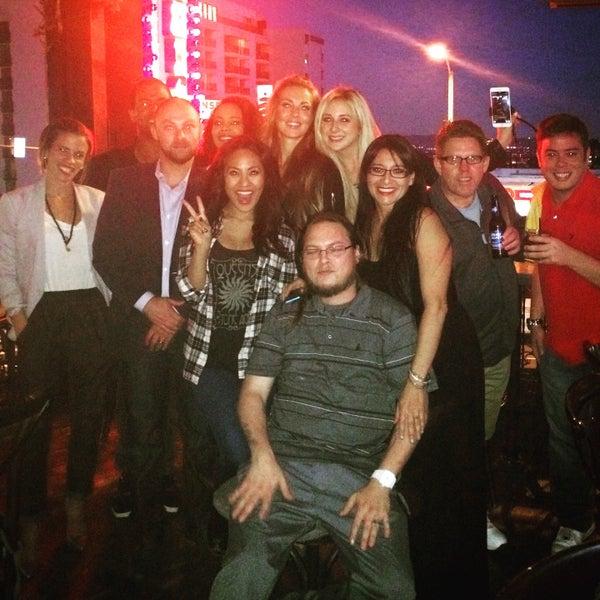 Foto diambil di Pearl's Liquor Bar oleh April d. pada 5/5/2015