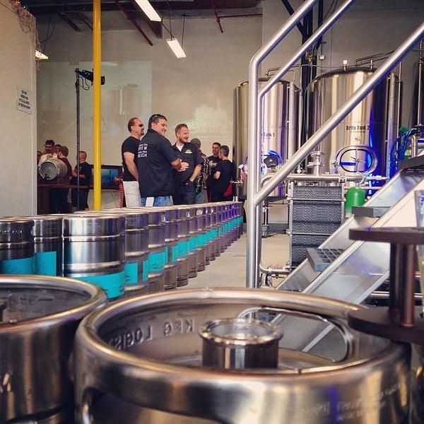 Foto tomada en Beach City Brewery por John H. el 5/10/2014