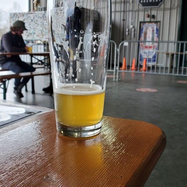 12/4/2020 tarihinde Aaron B.ziyaretçi tarafından Oskar Blues Brewery'de çekilen fotoğraf