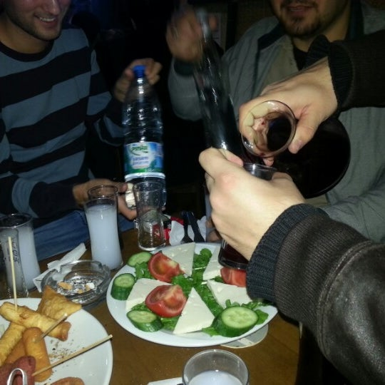 Photo prise au Sardunya Cafe & Bar par Ethem I. le11/17/2012