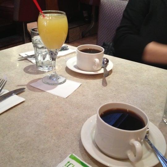 Photo prise au Morning Star Cafe par Alicia P. le11/25/2012