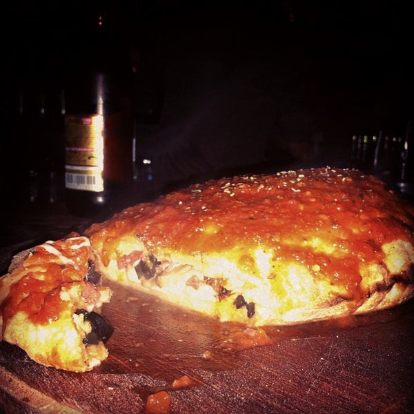 Foto diambil di Mica Restaurant & Bar oleh Baris E. pada 12/29/2012