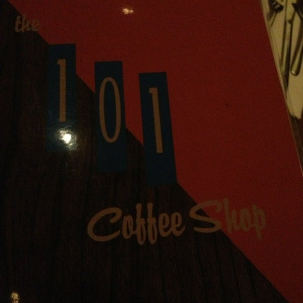 Foto tomada en The 101 Coffee Shop  por MrJOliphant el 2/12/2013