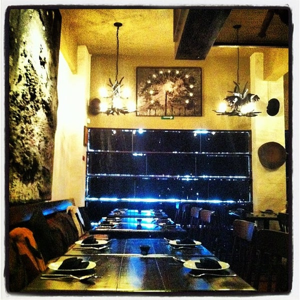 Foto diambil di Chef Herrera oleh Mayra pada 10/24/2012