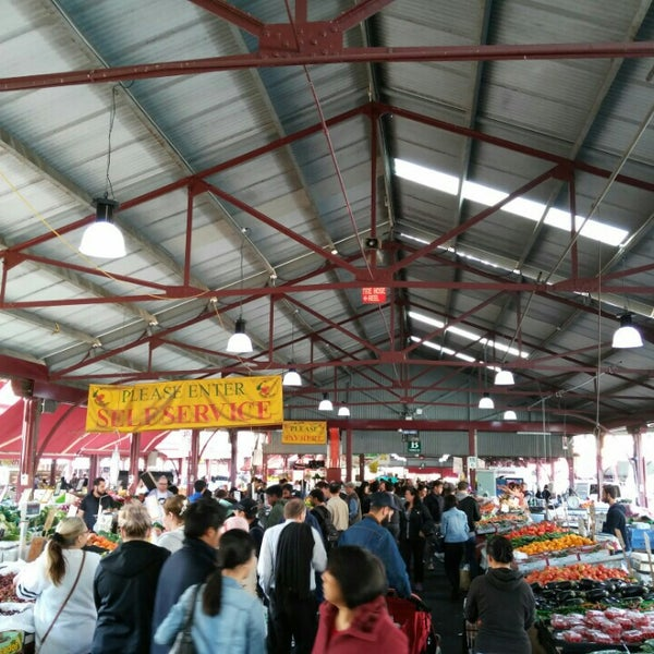 Foto diambil di Queen Victoria Market oleh Eduardo G. pada 5/22/2016