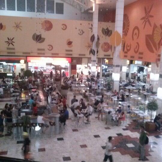 Das Foto wurde bei Grand Plaza Shopping von Tamy A. am 10/30/2012 aufgenommen