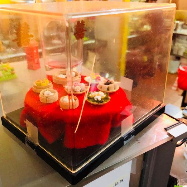Foto tirada no(a) Dessert Republic por Xiao M. em 8/25/2018