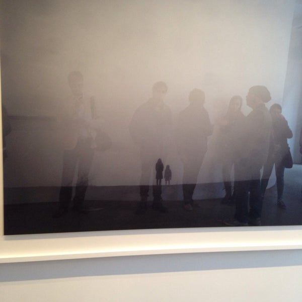 Foto tomada en Bruce Silverstein Gallery por David T. el 3/22/2014