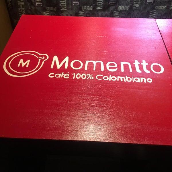Foto tirada no(a) Momentto Café 100% Colombiano por Luis A. em 9/14/2016