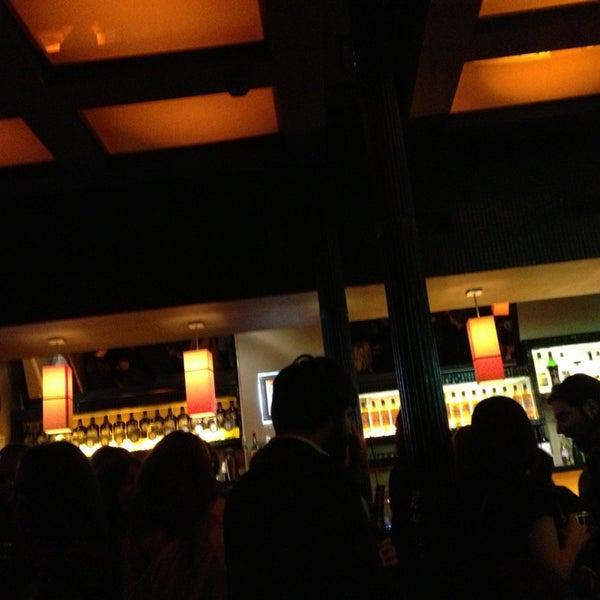 รูปภาพถ่ายที่ Costello Club โดย Bere เมื่อ 4/10/2013