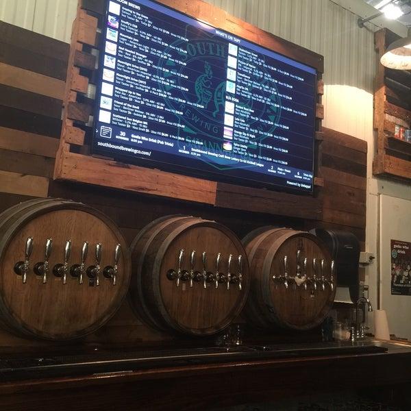 Das Foto wurde bei Southbound Brewing Company von Virgil M. am 12/2/2017 aufgenommen