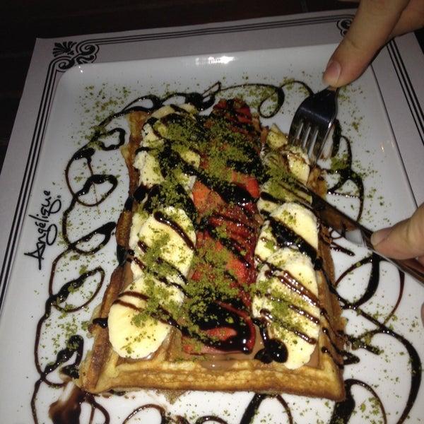 Foto tomada en Del Moon Coffee & Food & Hookah por Arzu(Erhan)💕 el 3/30/2013