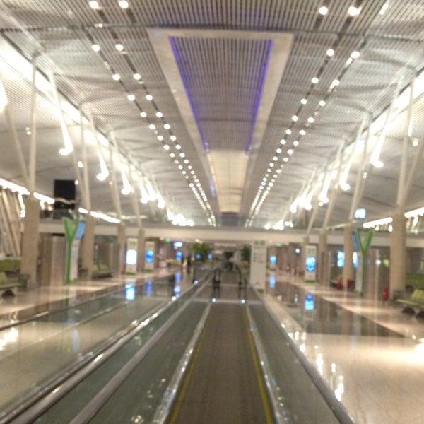 12/3/2014 tarihinde Carlos M.ziyaretçi tarafından Aeroporto Internacional de Brasília / Presidente Juscelino Kubitschek (BSB)'de çekilen fotoğraf