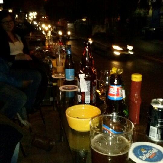 Foto tomada en The Beer Box por Kore D. el 12/15/2012