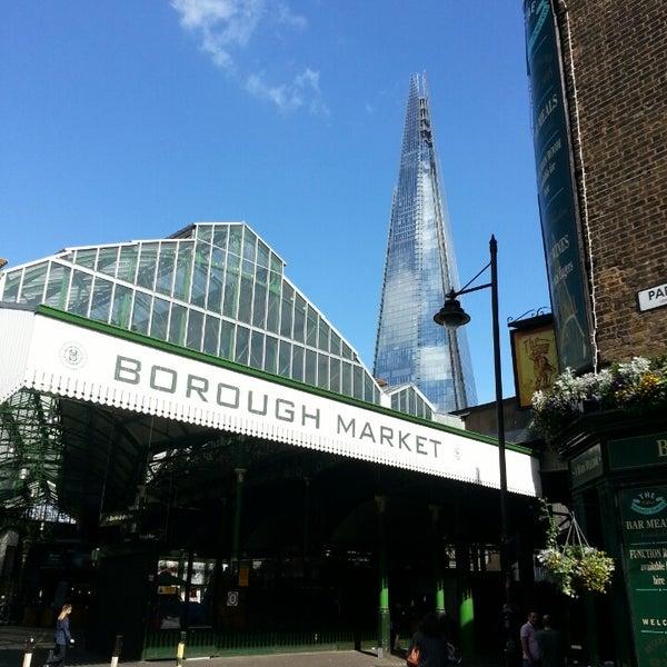 Foto tirada no(a) Borough Market por Nico J. em 6/3/2013